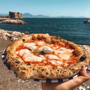 Pizza napoletana lungomare